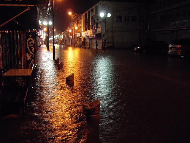 台風により浸水被害のあった街の風景