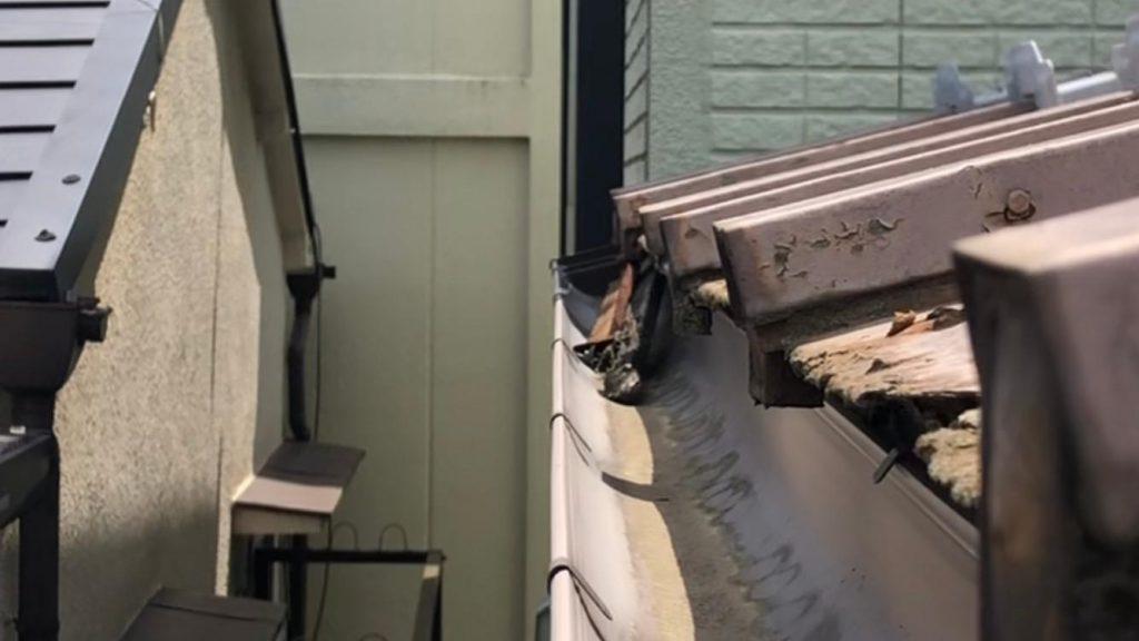 住宅の屋根の様子
